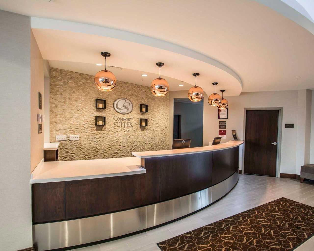 berlin suites prices information reviews west hotel featured room image city ohio ibis z comfort hotels comforter deals expedia