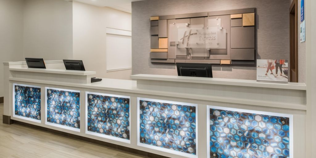 Holiday Inn Express & Suites - West Plains