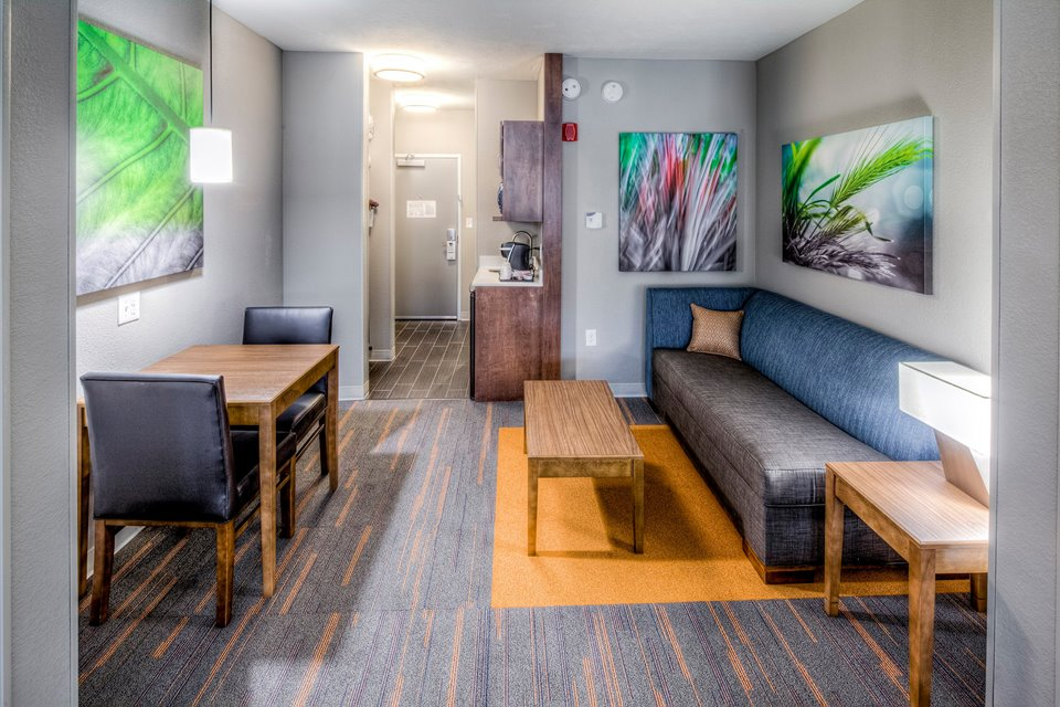 Holiday Inn Express & Suites - Westlake