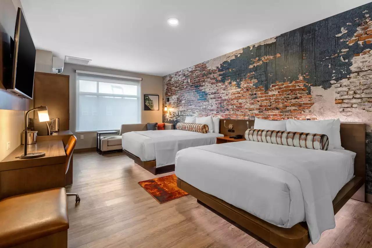 double-queen-guest-room.png