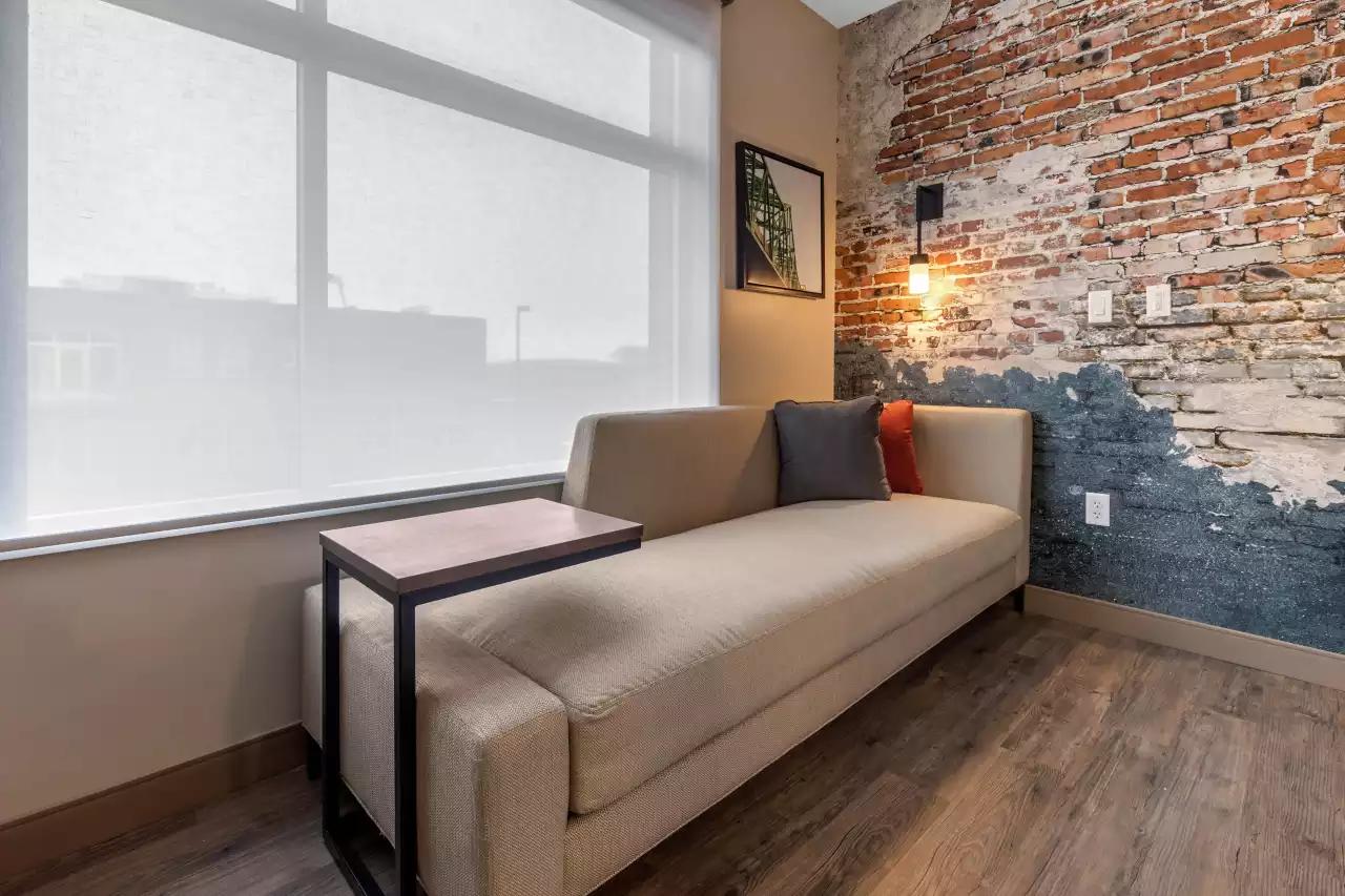 guestroom-seating.png