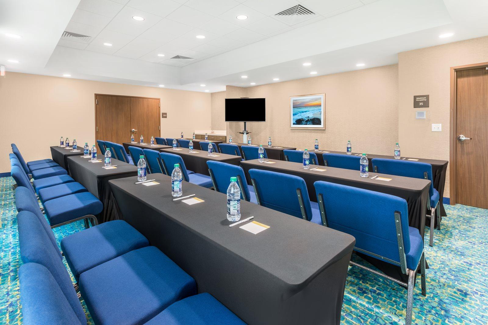 HamptonInn-MaryEstherFL-Meeting-Room.jpg