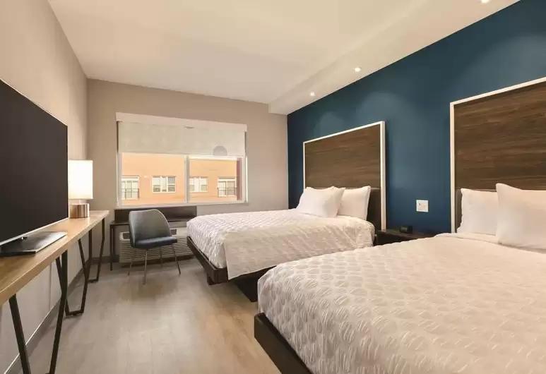 double-guestroom.png
