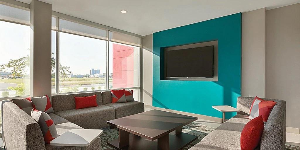 avid-hotels-denver-6194764753-2x1jpg.jpg