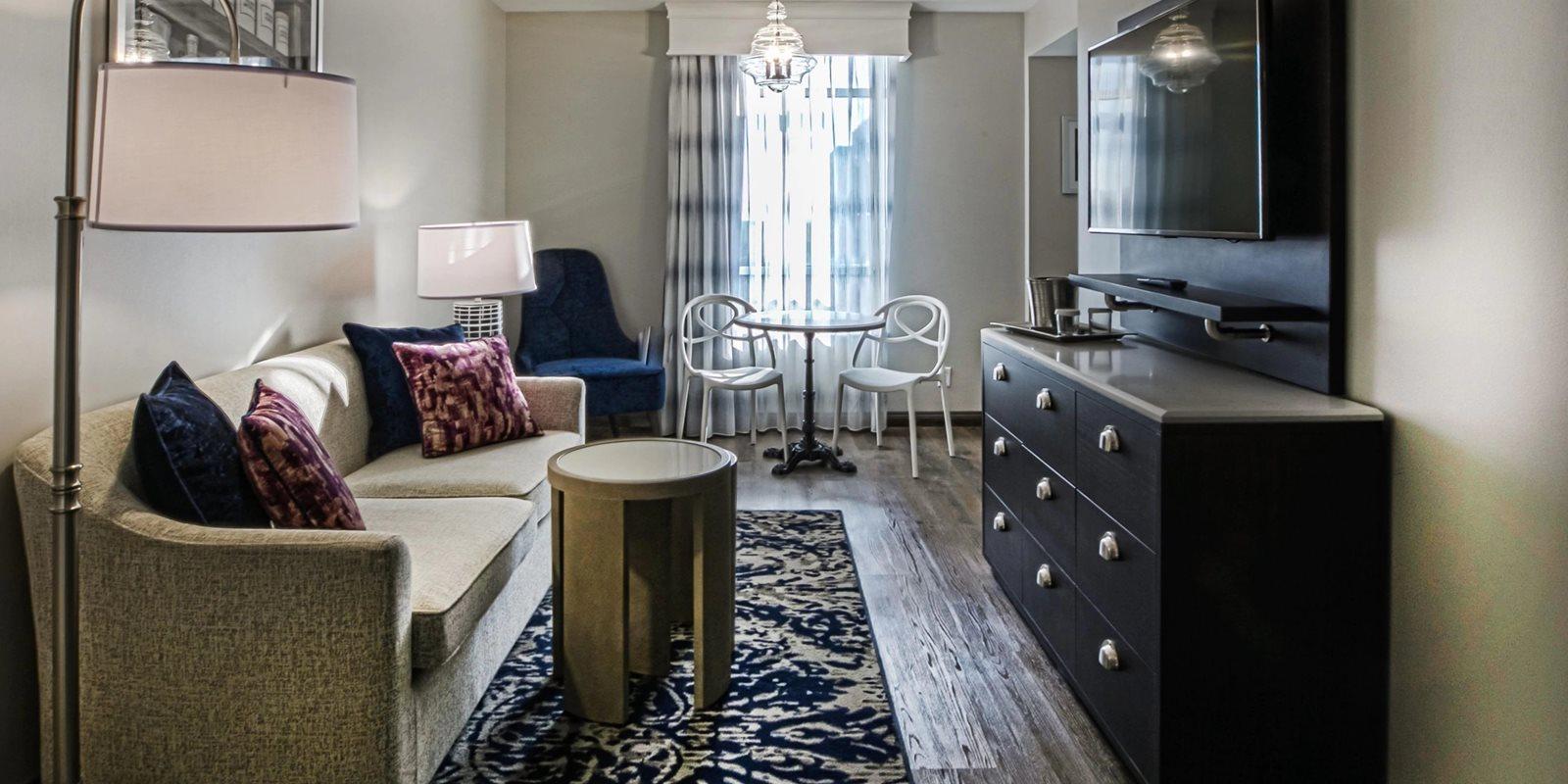 Hotel-Indigo-Birmingham-AL-Guest-room-Living-Room-Area.jpg