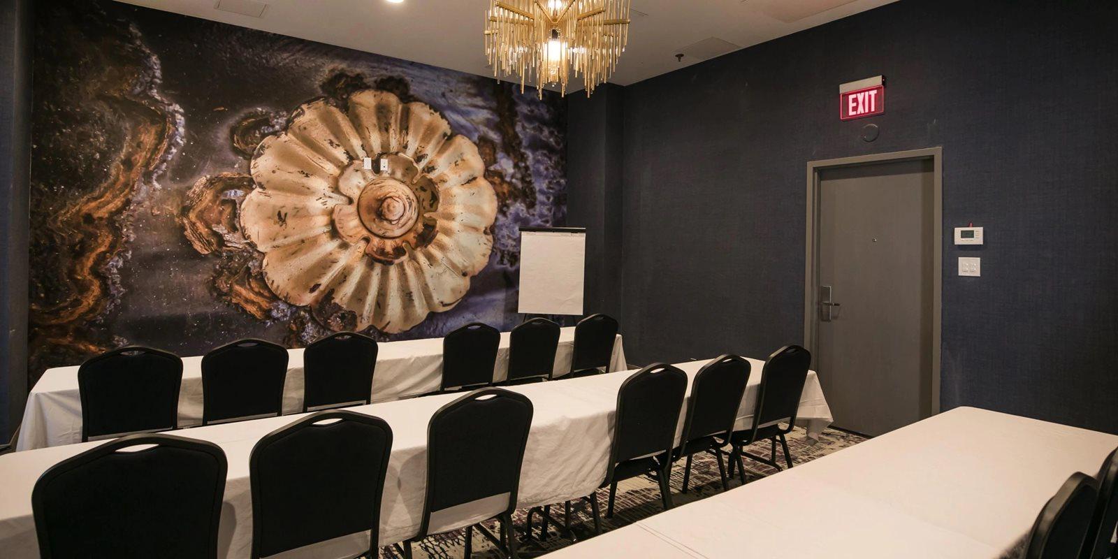 Hotel-Indigo-Birmingham-AL-meeting-room.jpg