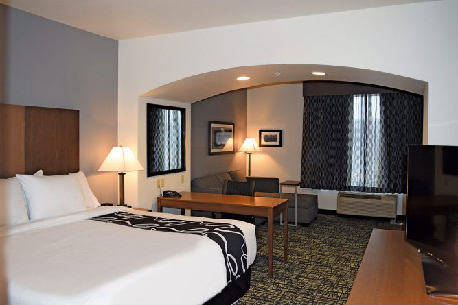 guest-room_lqimg_slide.jpg