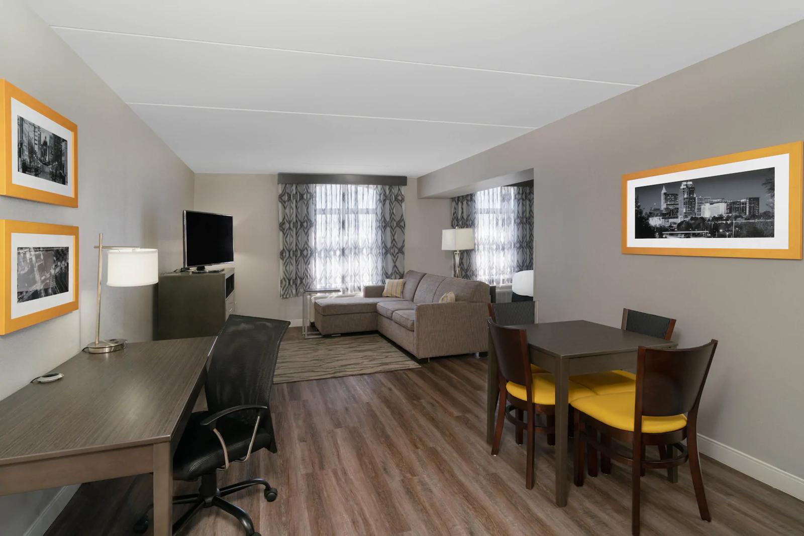 guestroom-desk.png