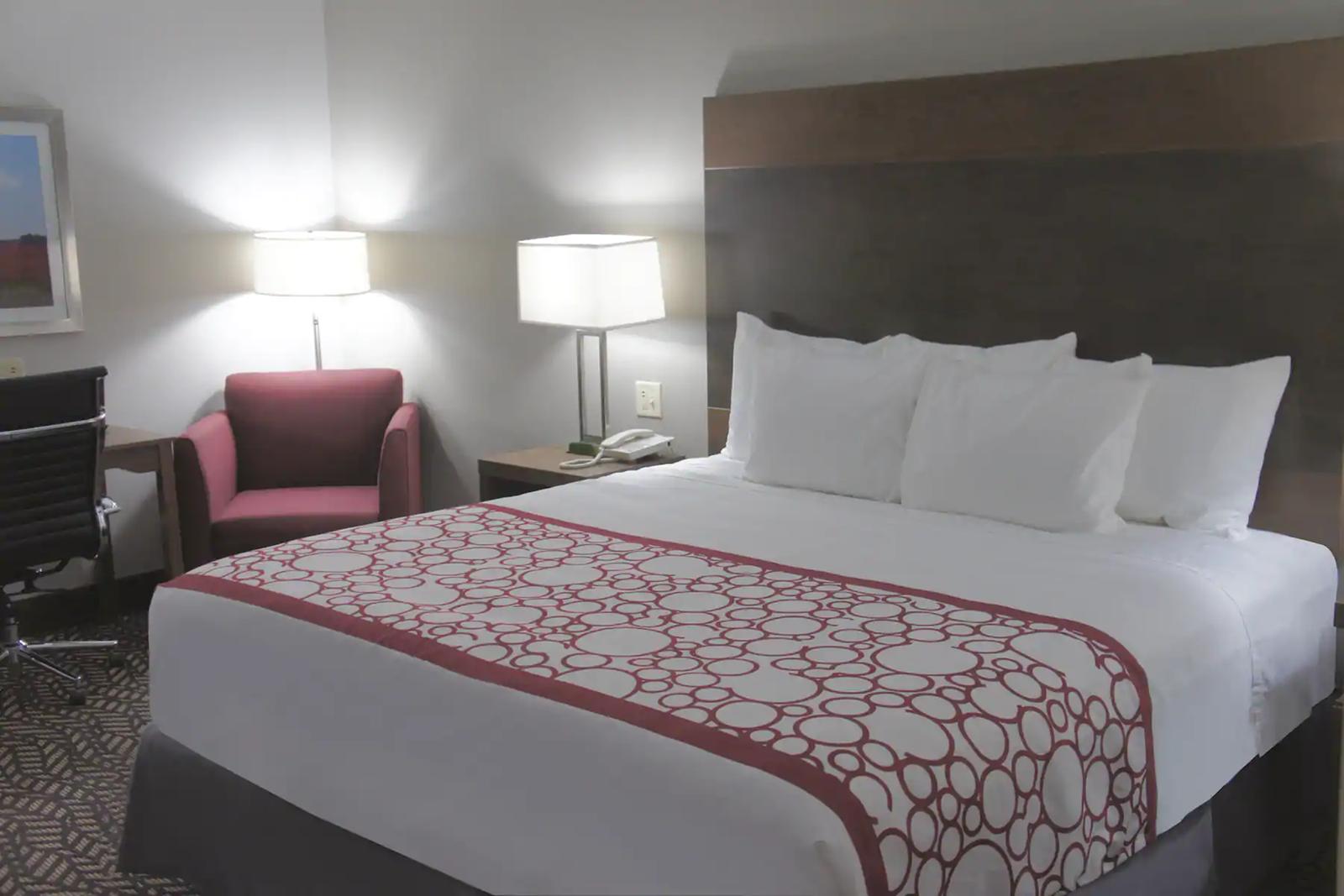 king-guestroom.png