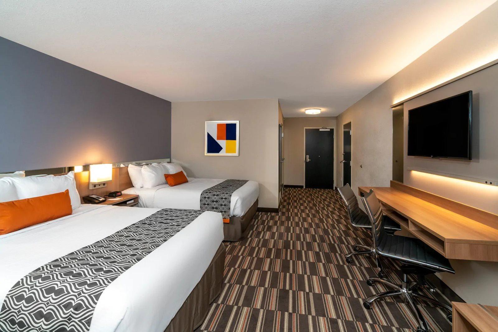 Microtel-Carlisle-PA-guest-room.jpg